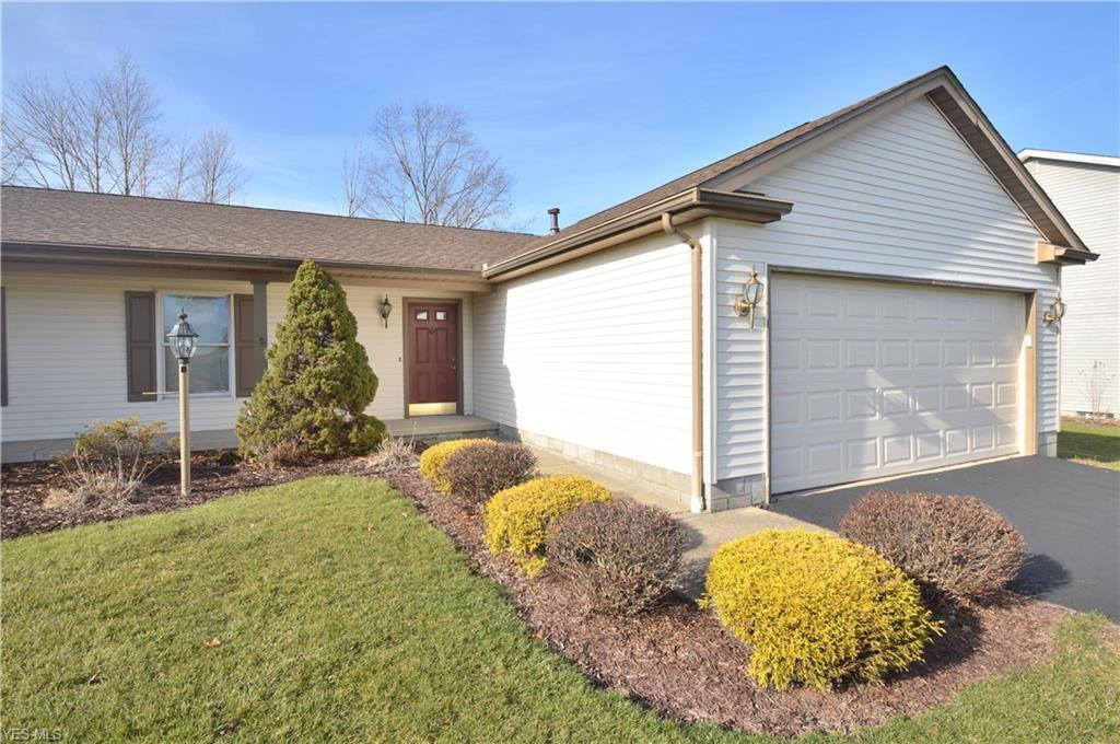 524 Shadydale Dr, Canfield, OH 44406
