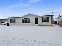 1808 University Ave, Williston, ND 58801