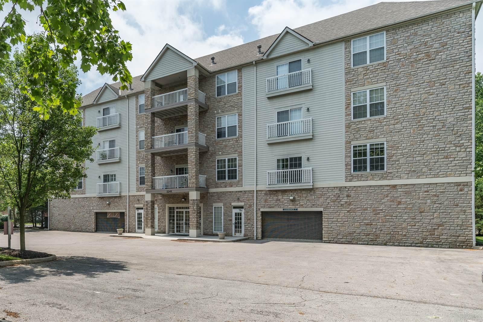 2245 Riverside Drive, #401, Upper Arlington, OH 43221