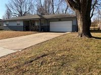 201 South Dogwood Avenue, Republic, MO 65738