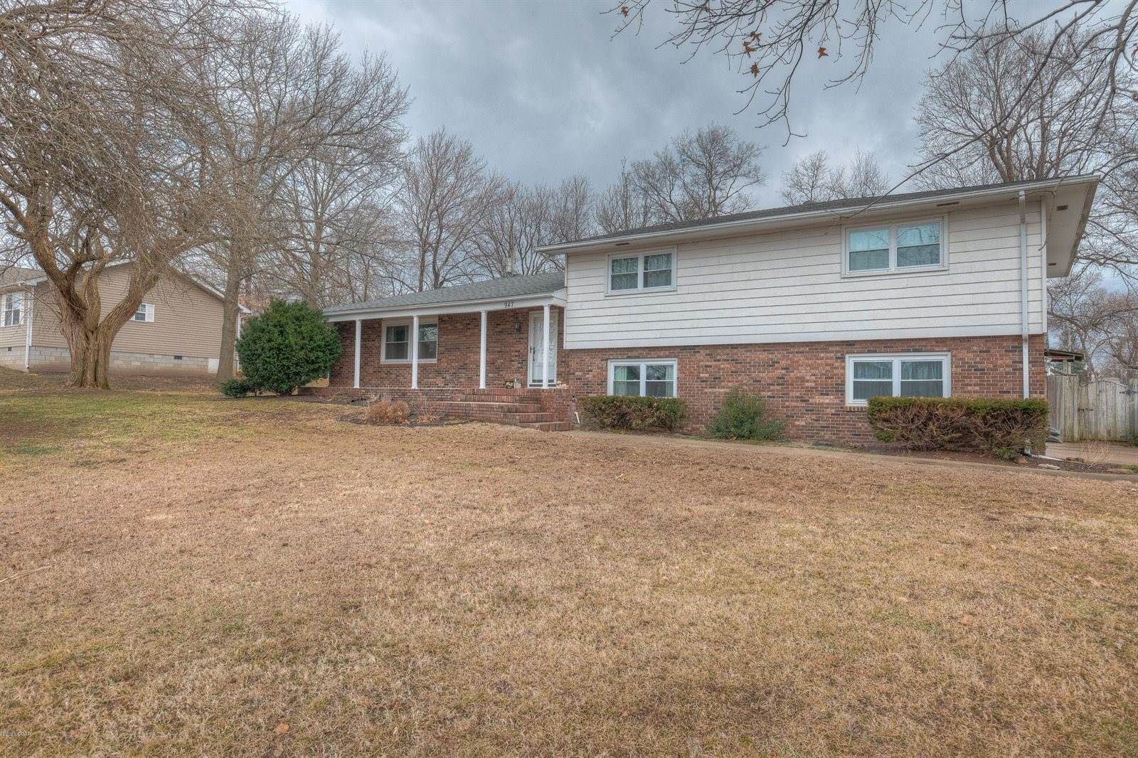 947 Southern Hills Ave, Carthage, MO 64836