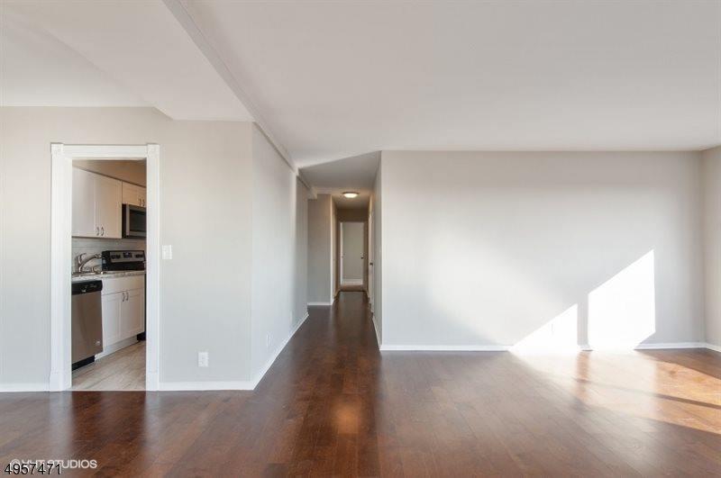 377 S Harrison St, #11L, East Orange City, NJ 07018