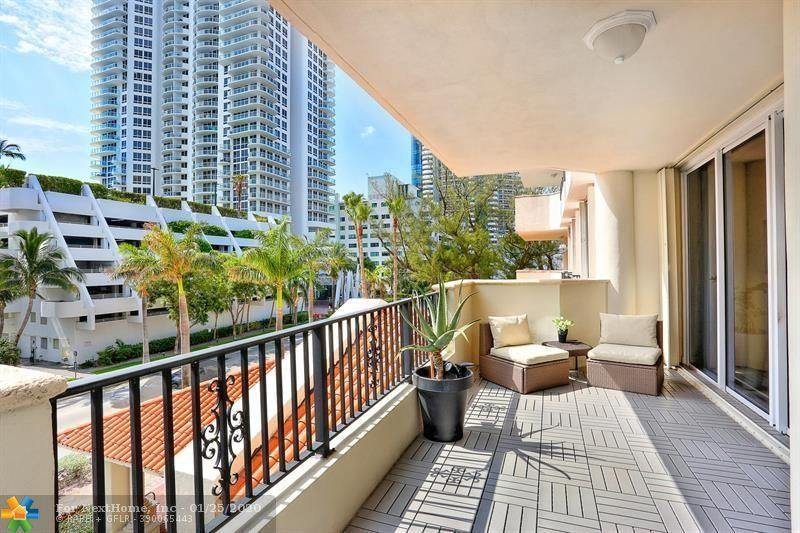 6422 Collins Ave, #302, Miami Beach, FL 33141