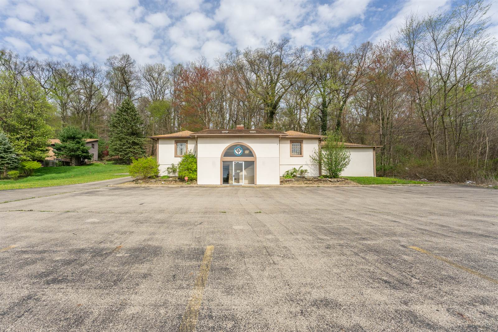 1055 Niles Cortland Rd Southeast, Warren, OH 44484