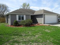 200 Brookmont Dr, Manhattan, KS 66502
