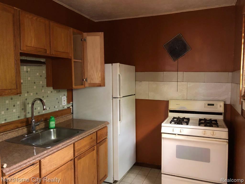 2659 Homeplace Street, Dearborn, MI 48124