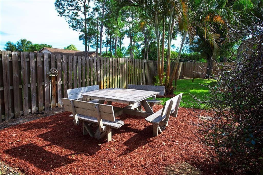 1341 SE Nancy Lane, Port Saint Lucie, FL 34983
