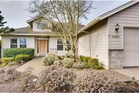 3501 Knoll Dr, Newberg, OR 97132