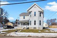 840 West Cottonwood Street, Freeport, IL 61032