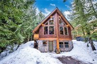 360 Rampart Dr, Snoqualmie Pass, WA 98068