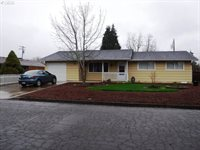 249 South P St, Cottage Grove, OR 97424