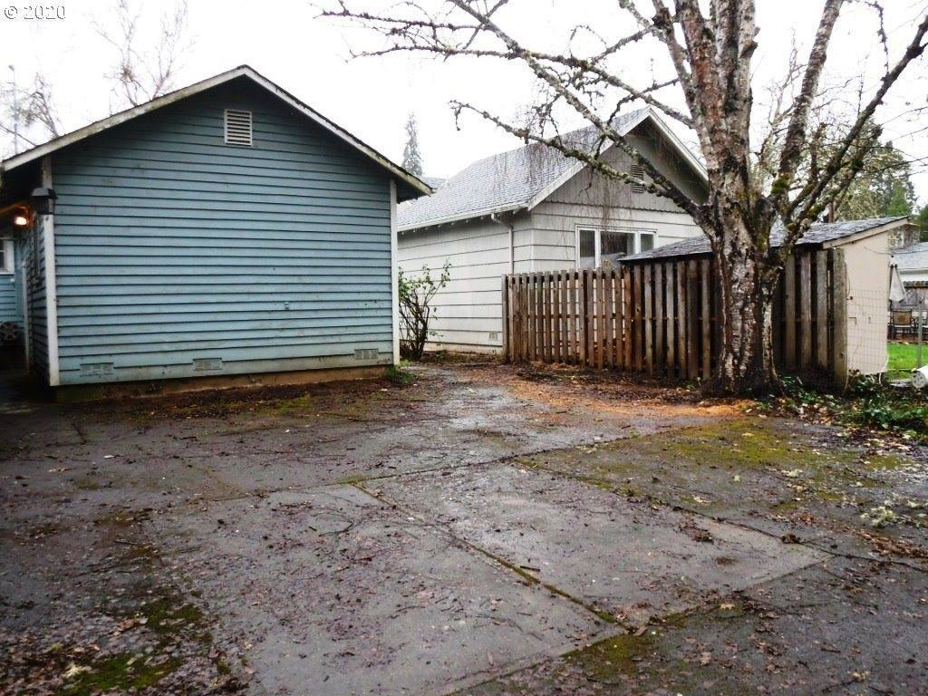 520 Harlan Ave, Drain, OR 97435