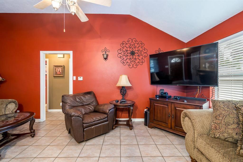 334 San Angelo Drive, Magnolia, TX 77354
