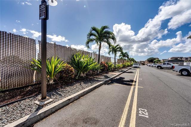 98-945 Moanalua Road, #702, Aiea, HI 96701
