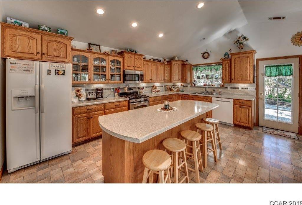 10155 Oak Valley Road, Angels Camp, CA 95222