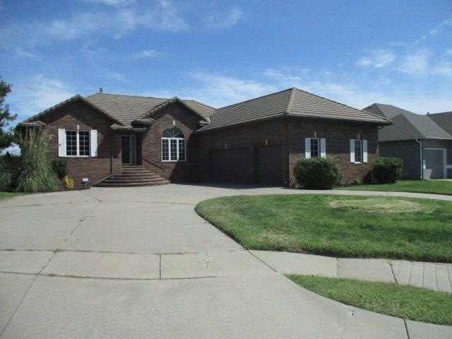 8426 E Oxford Cir, Wichita, KS 67226