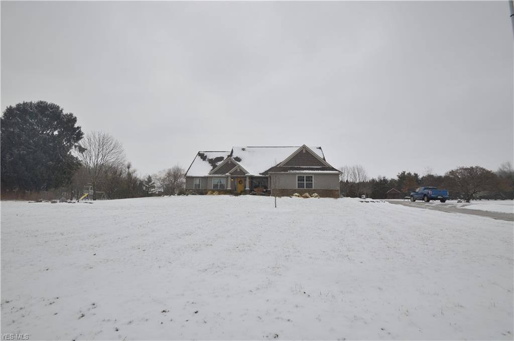 6150 Columbiana New Castle Rd, New Middletown, OH 44442