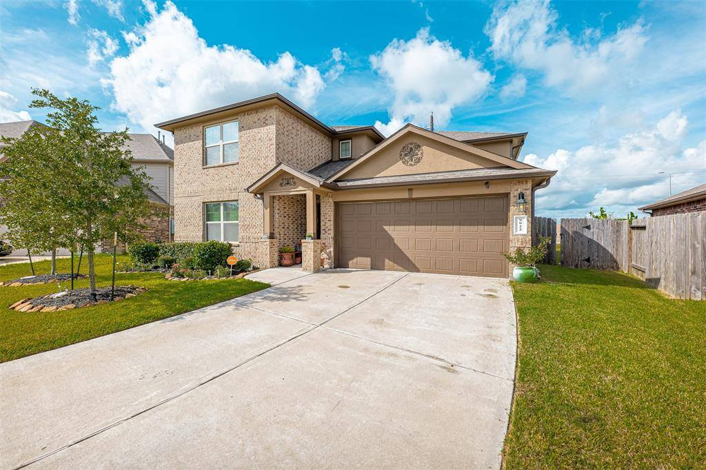 9922 Shimmering Lakes Drive, Rosharon, TX 77583