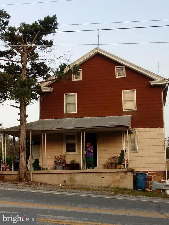 890 Old Trail Road, Etters, PA 17319