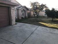992 East Commerce Avenue, Fresno, CA 93706