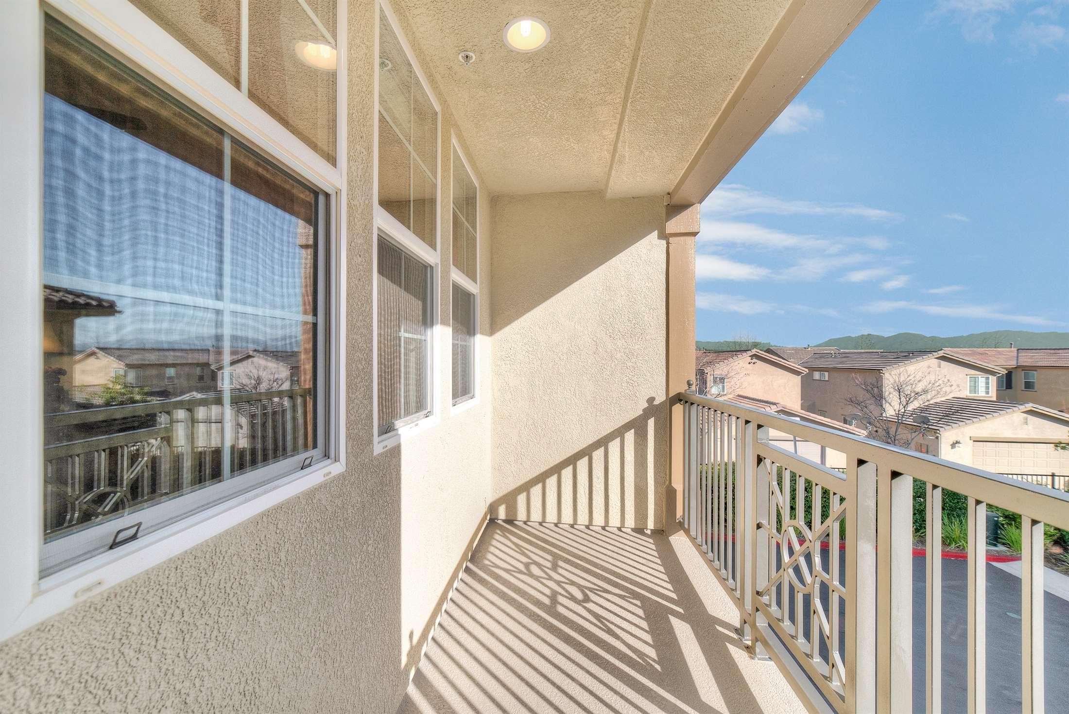 28560 Herrera St, Valencia, CA 91354