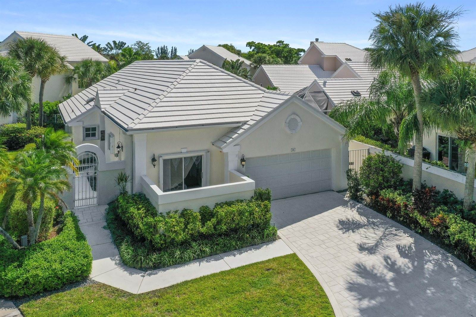 21 Windsor Lane, Palm Beach Gardens, FL 33418