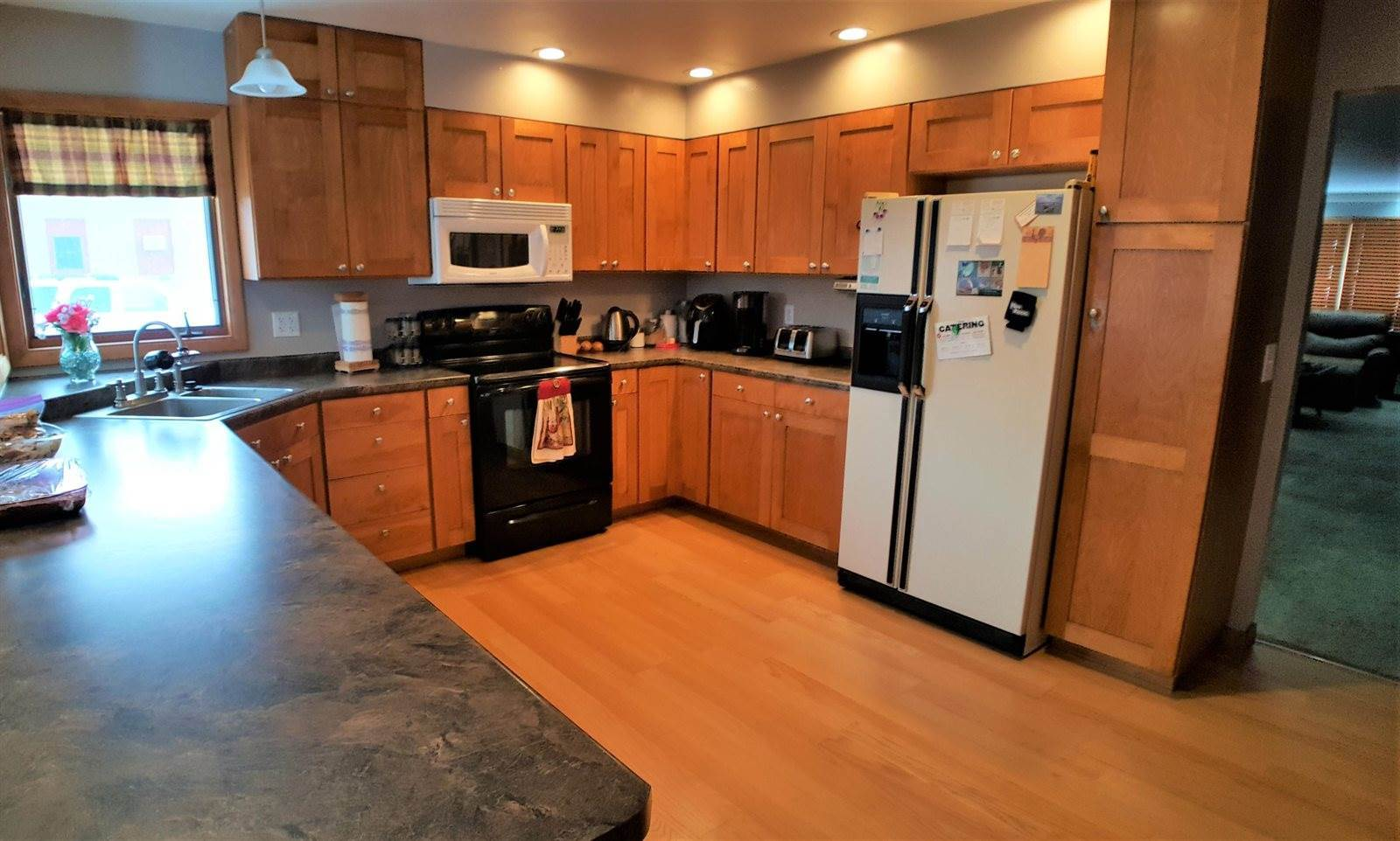 405 West Lost Island Street, Graettinger, IA 51342