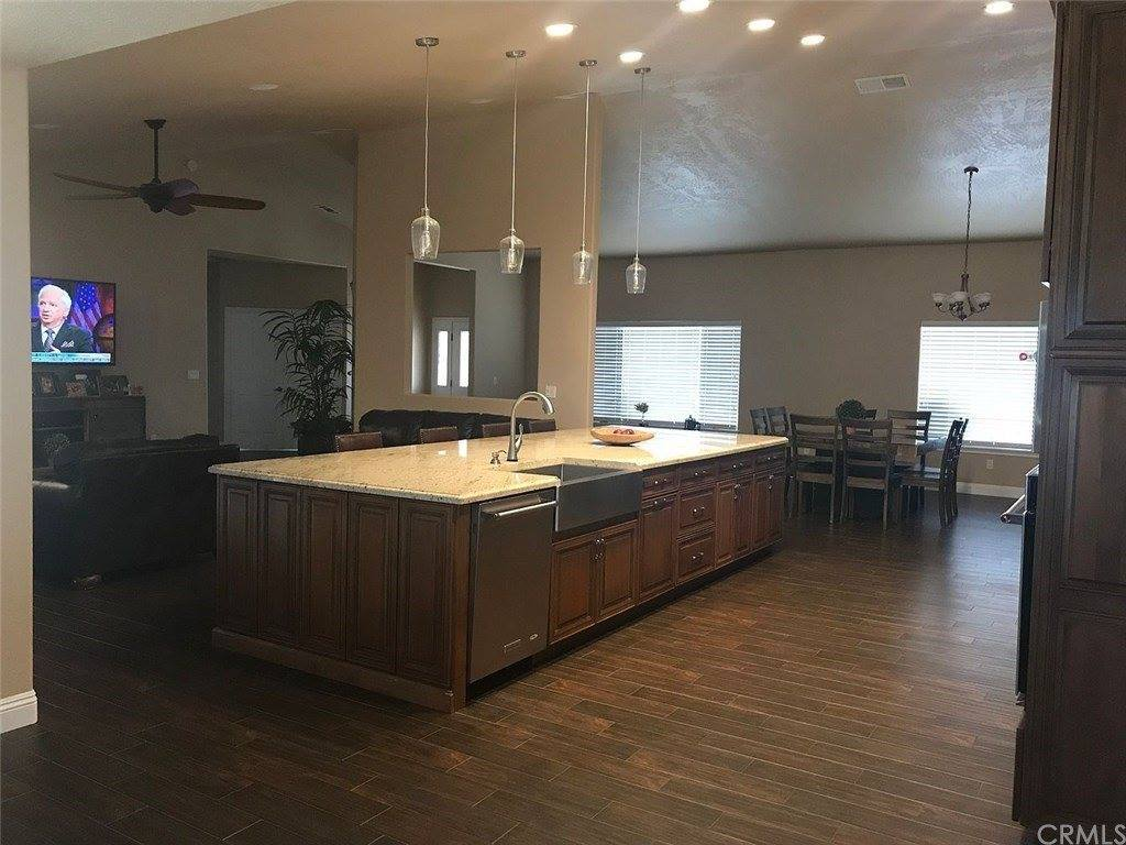 6910 Oak Vista Lane, Oak Hills, CA 92344