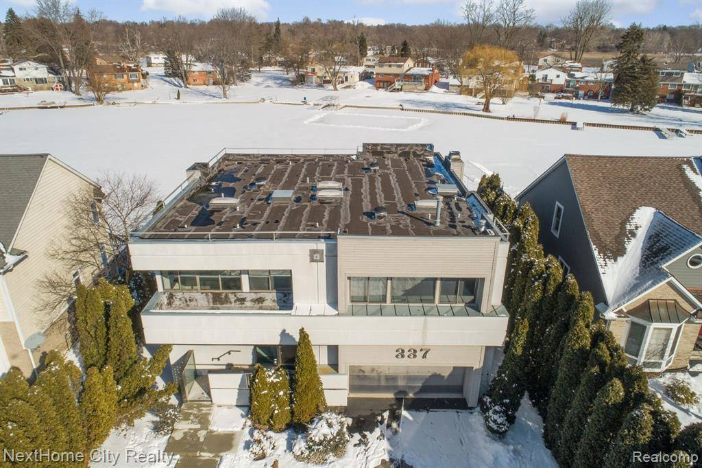 337 Beverly Estates Drive, Waterford Township, MI 48328