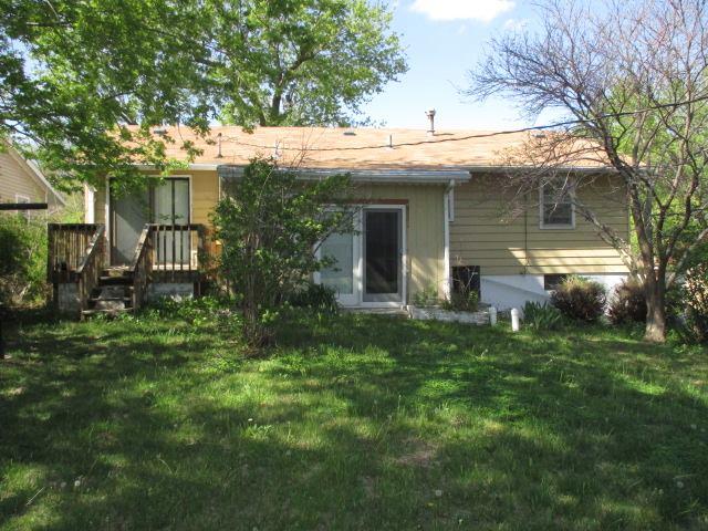 1013 Cottonwood St, Junction City, KS 66441