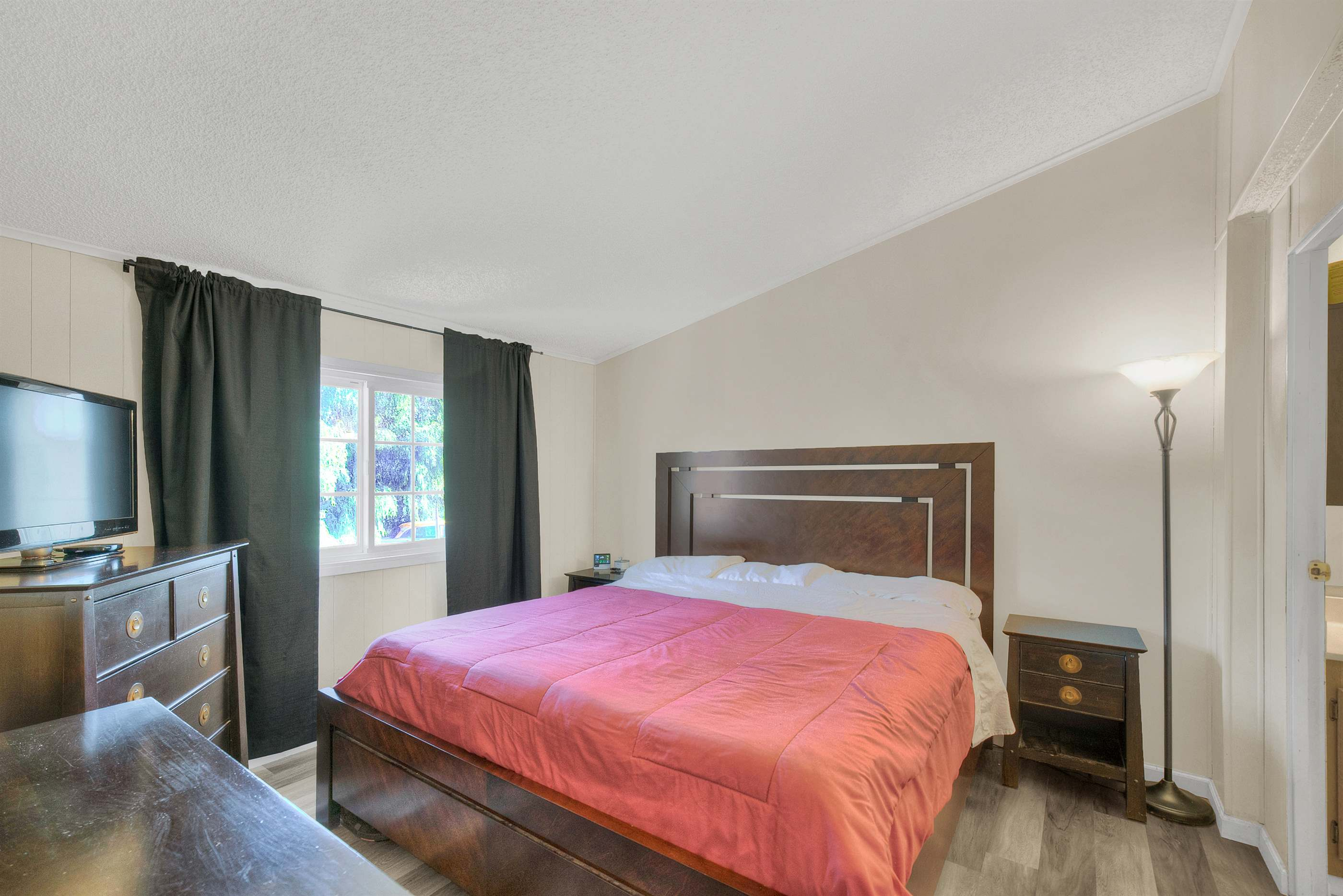 16818 Forrest St, Canyon Country, CA 91351
