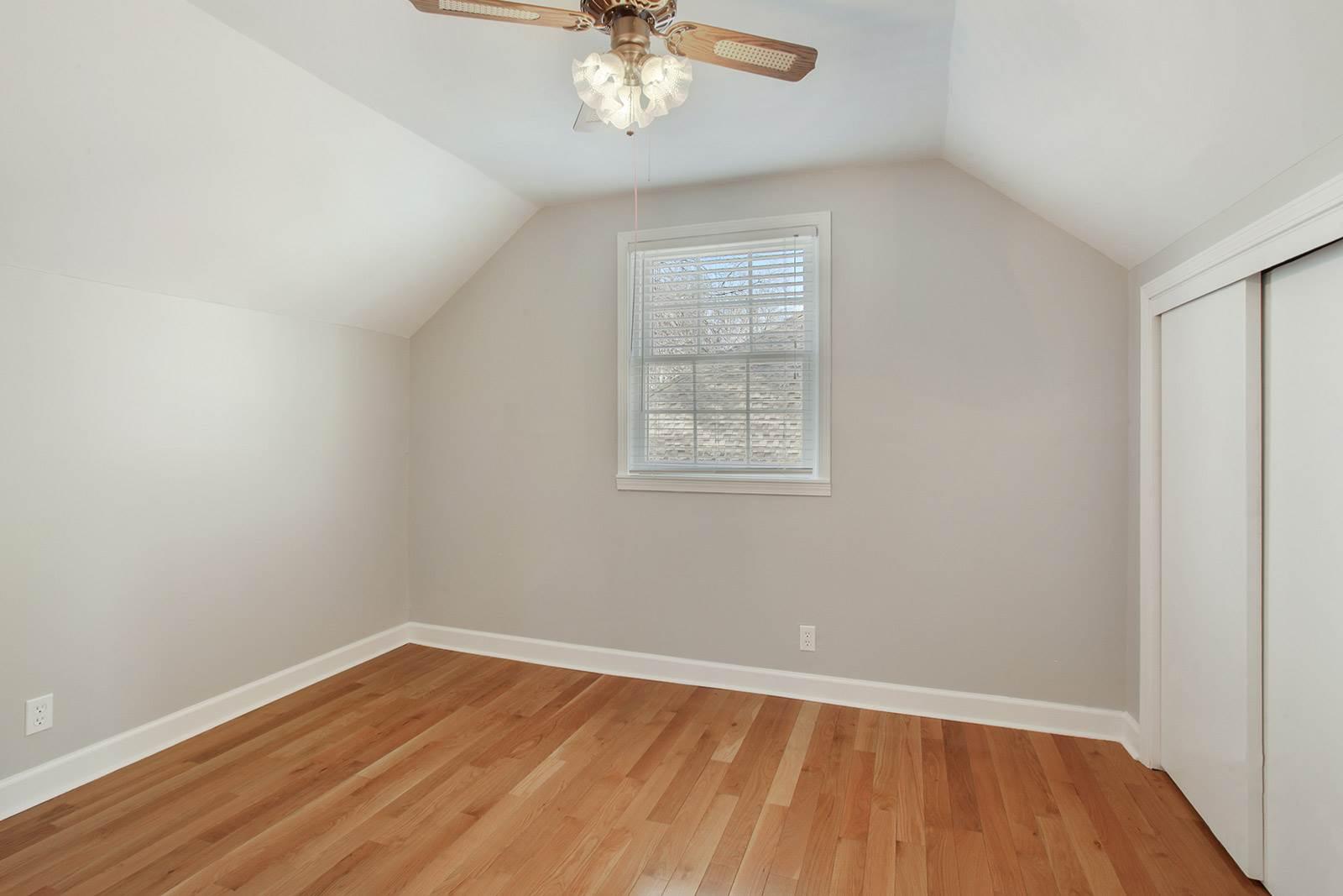 2113 W 121st Street, Leawood, KS 66209