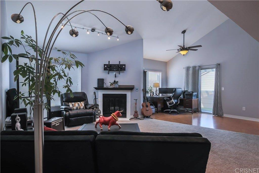 31315 The Old Road #F, Castaic, CA 91384