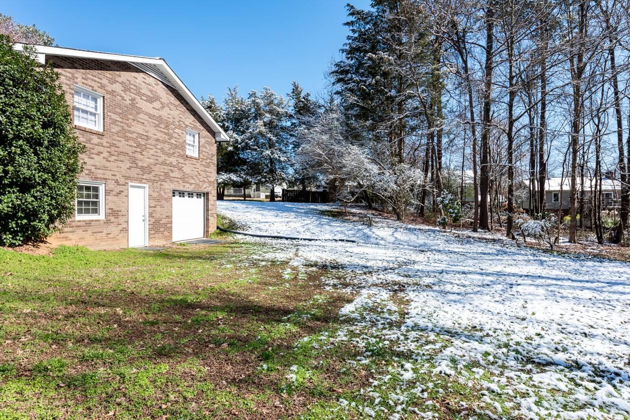 307 Broken Saddle Lane, Kernersville, NC 27284