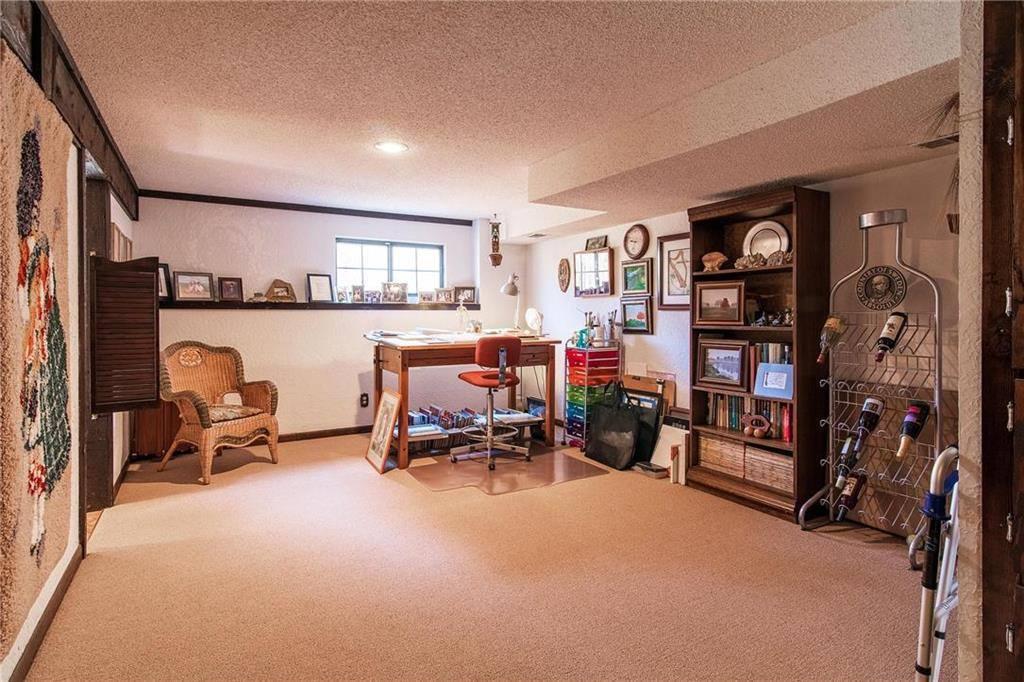 7913 Westgate Drive, Overland Park, KS 66215