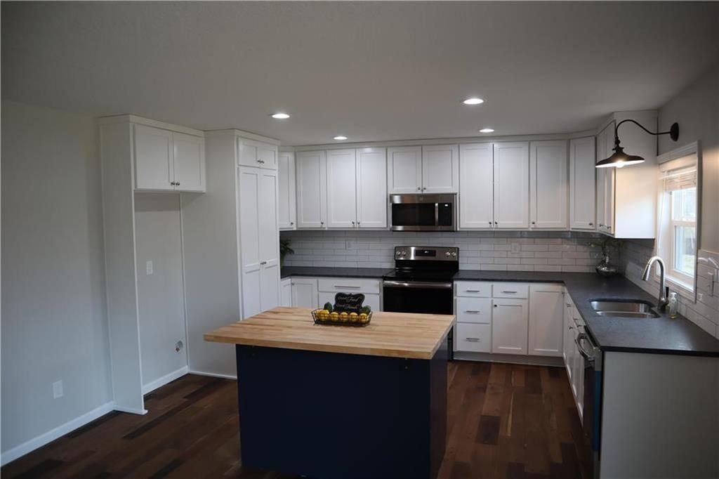 8504 West 78th Street, Overland Park, KS 66204