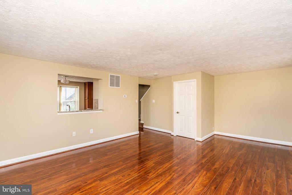 9554 Glen Oaks Lane, Columbia, MD 21046
