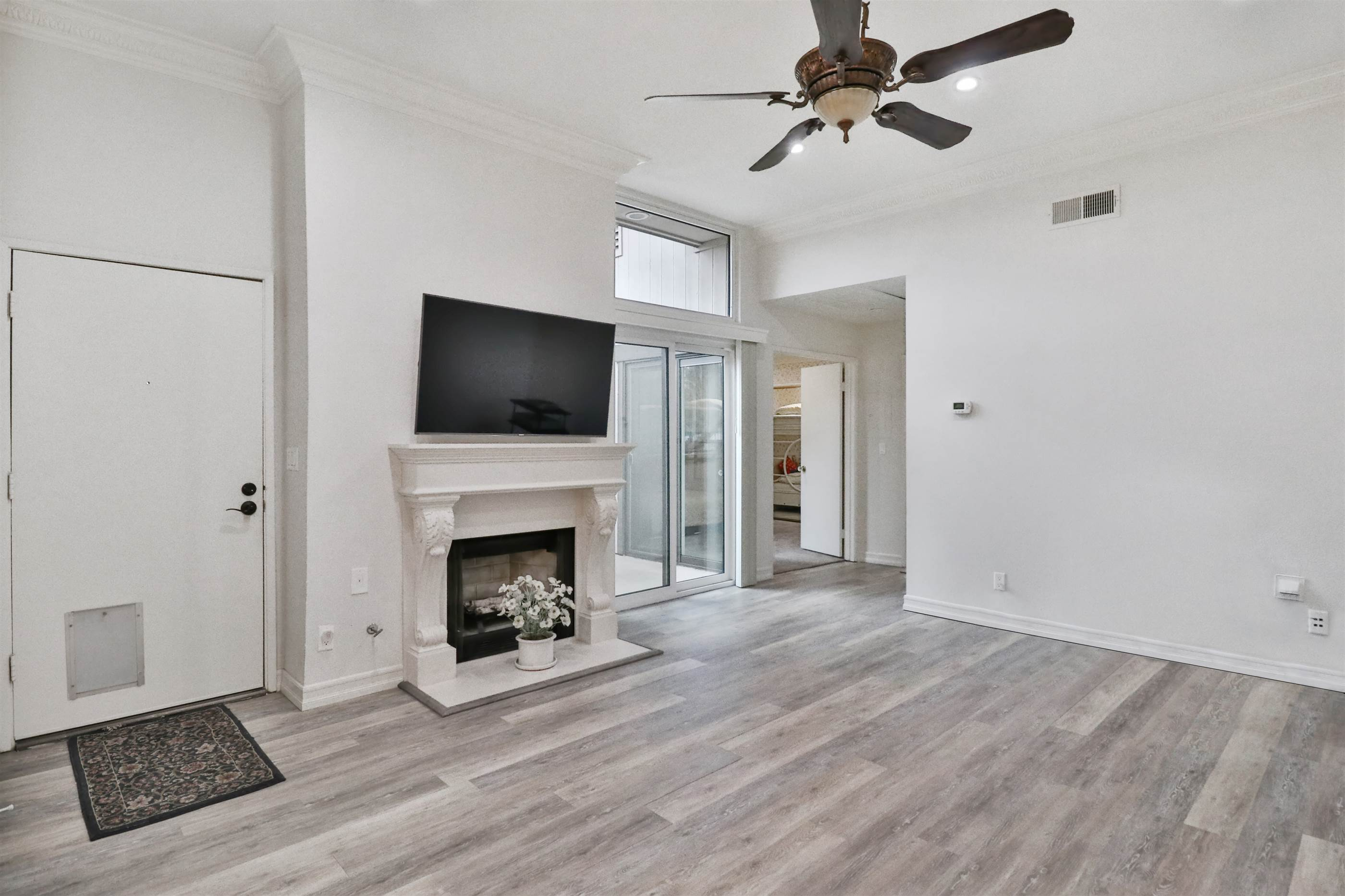7225 Shoup Avenue, #14, West Hills, CA 91307