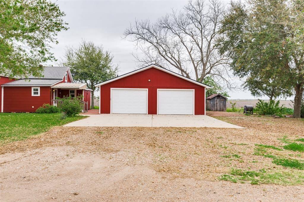 5518 Guyler Street, Wallis, TX 77485