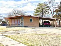 2803 Fairmount St, Wichita, KS 67220