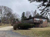 1664 Meadowbrook Lane, Freeport, IL 61032
