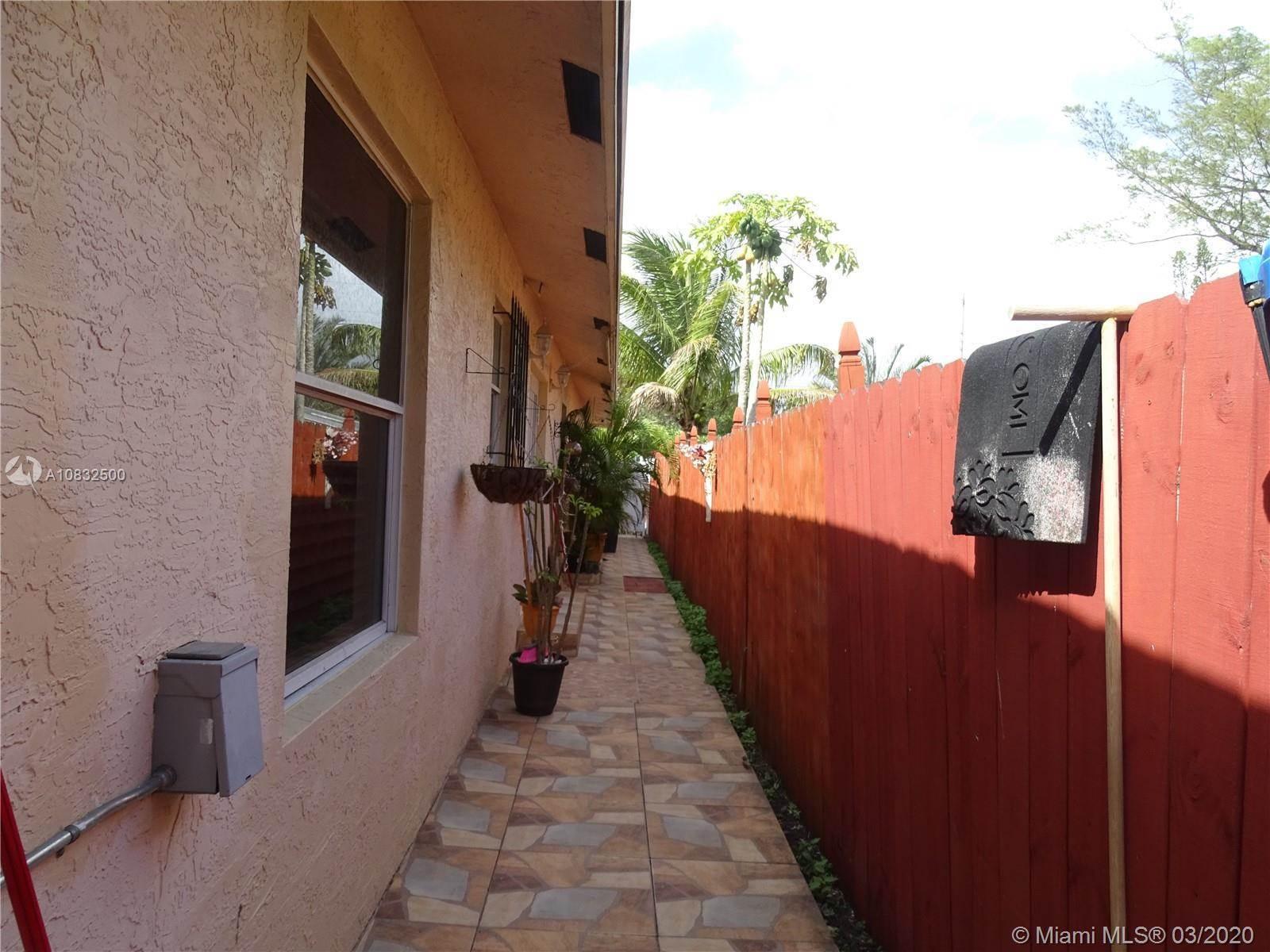 5614 Flagler St, Hollywood, FL 33023