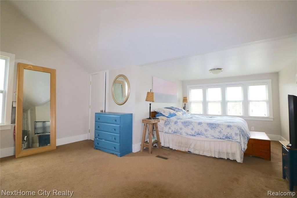 1327 Maryland Street, Grosse Pointe Park, MI 48230