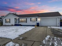 1109 2nd Ave East, Williston, ND 58801