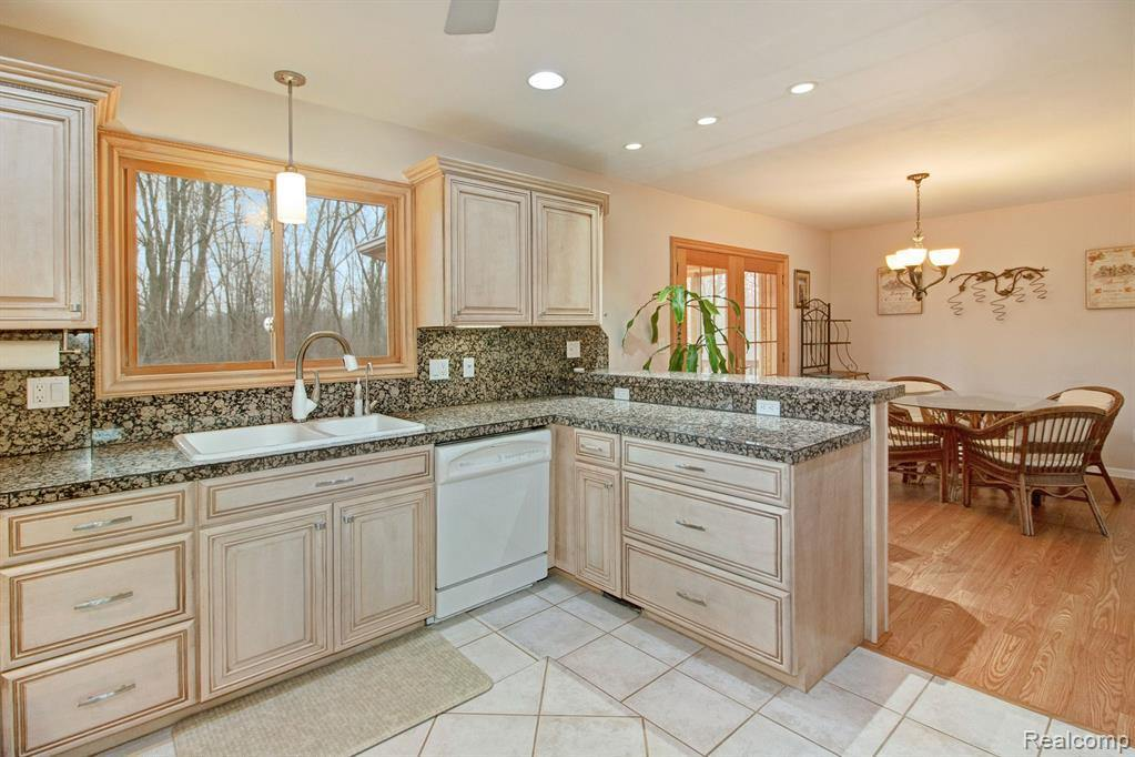 8491 Huron River Drive, White Lake Township, MI 48386