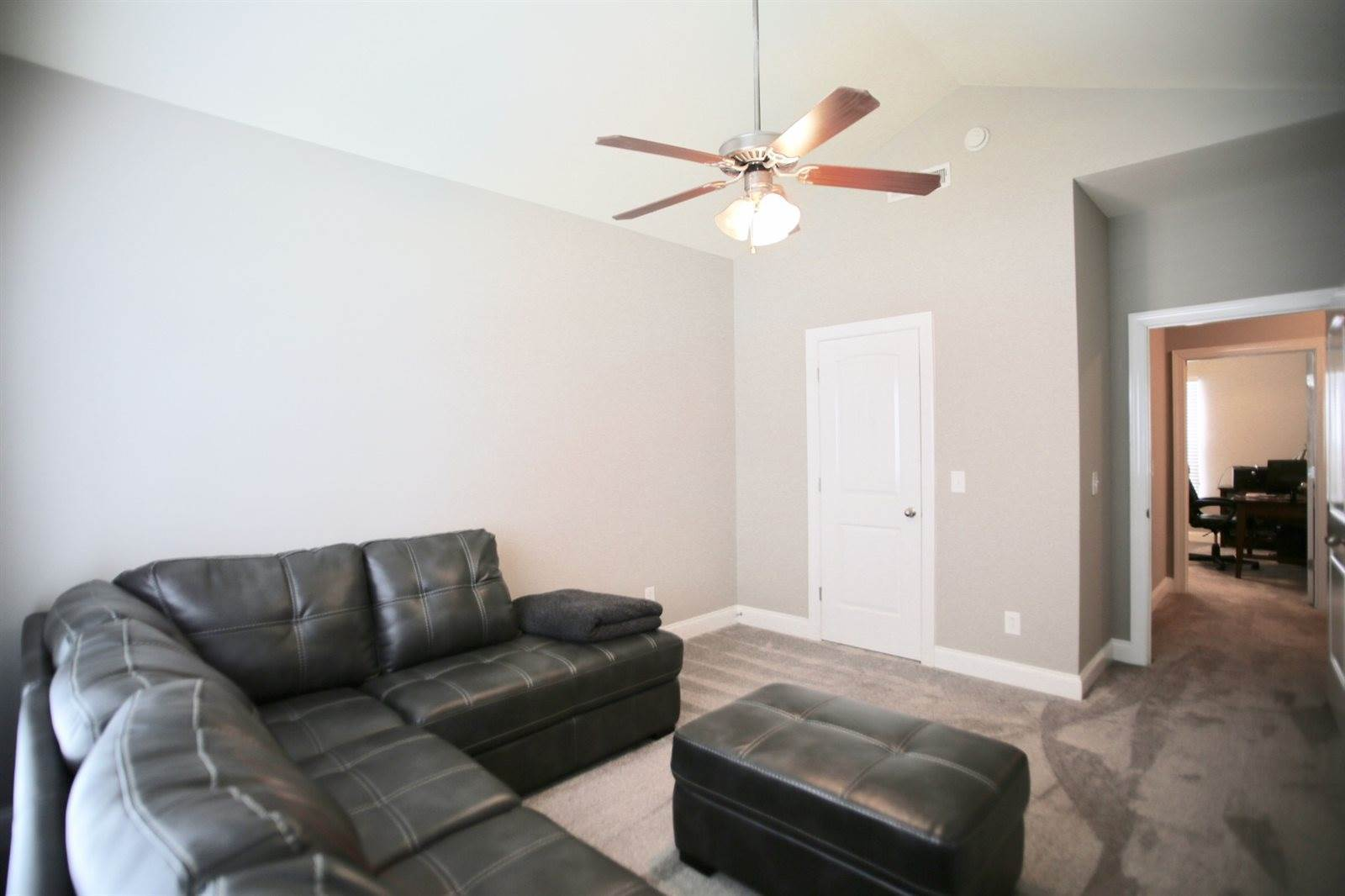 346 Rowlette Cir, Murfreesboro, TN 37127