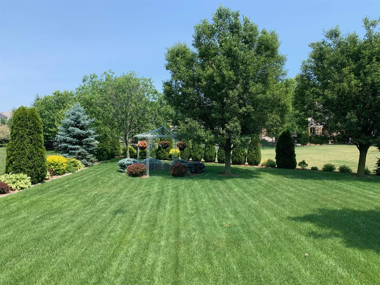 47902 Ridgewood Drive, Macomb Township, MI 48044