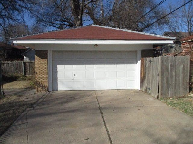202 N Broadview St, Wichita, KS 67208
