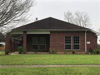 609 E Ford Ave, Dayton, TX 77535