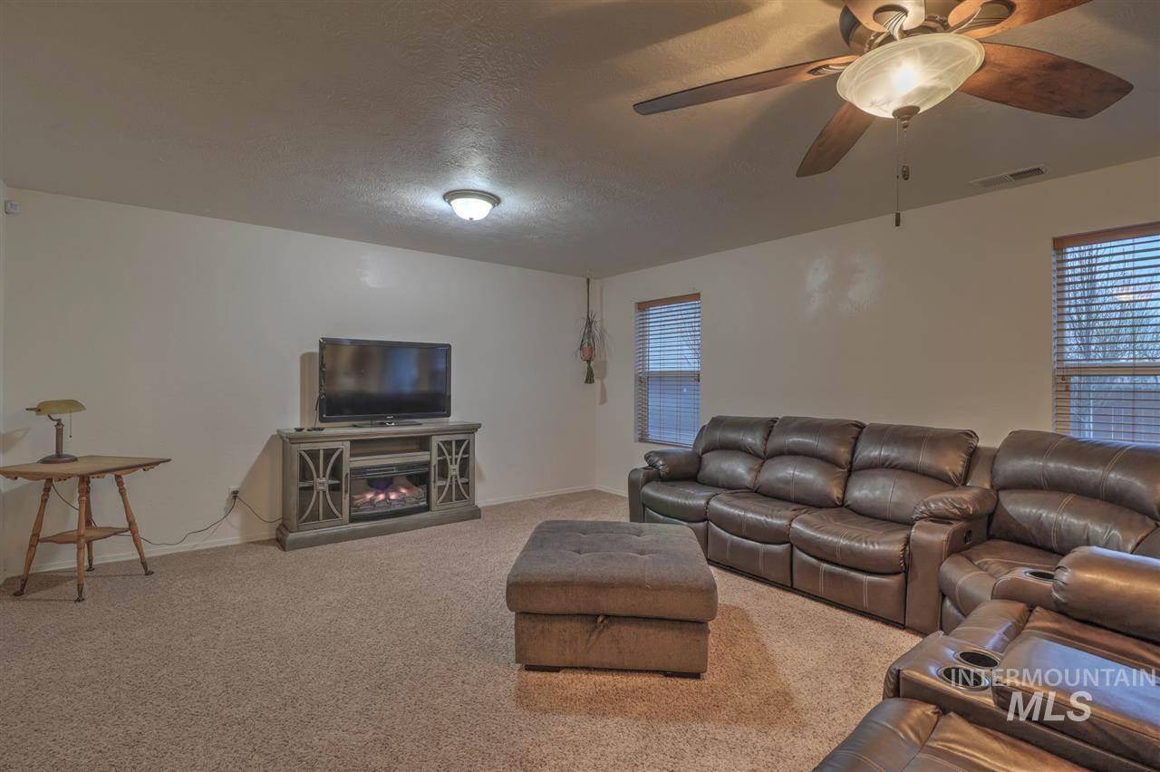 11613 Cabin Creek Rd, Caldwell, ID 83605